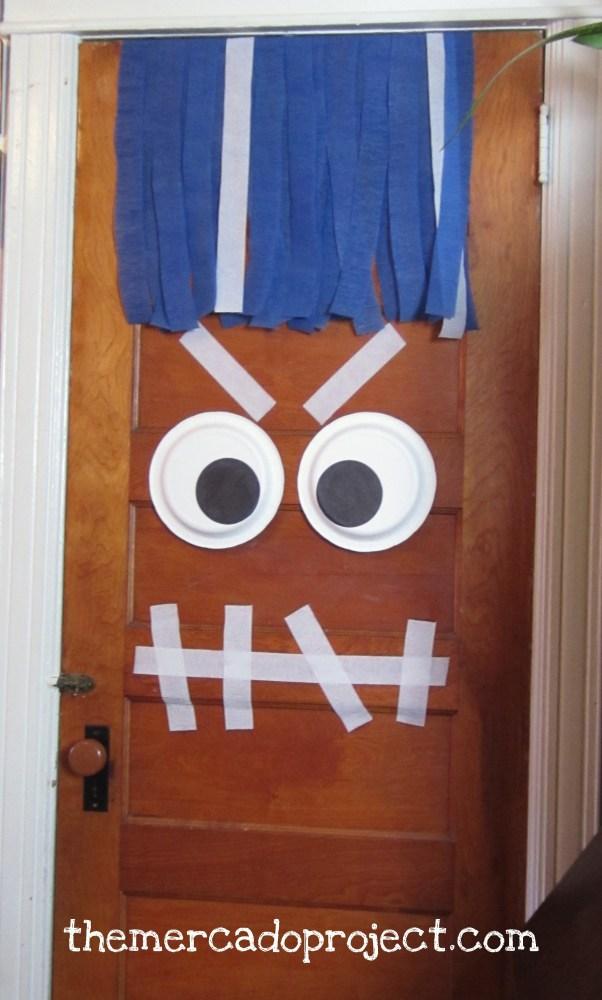 DIY DOOR MONSTER DECORATION FOR HALLOWEEN (2/2)
