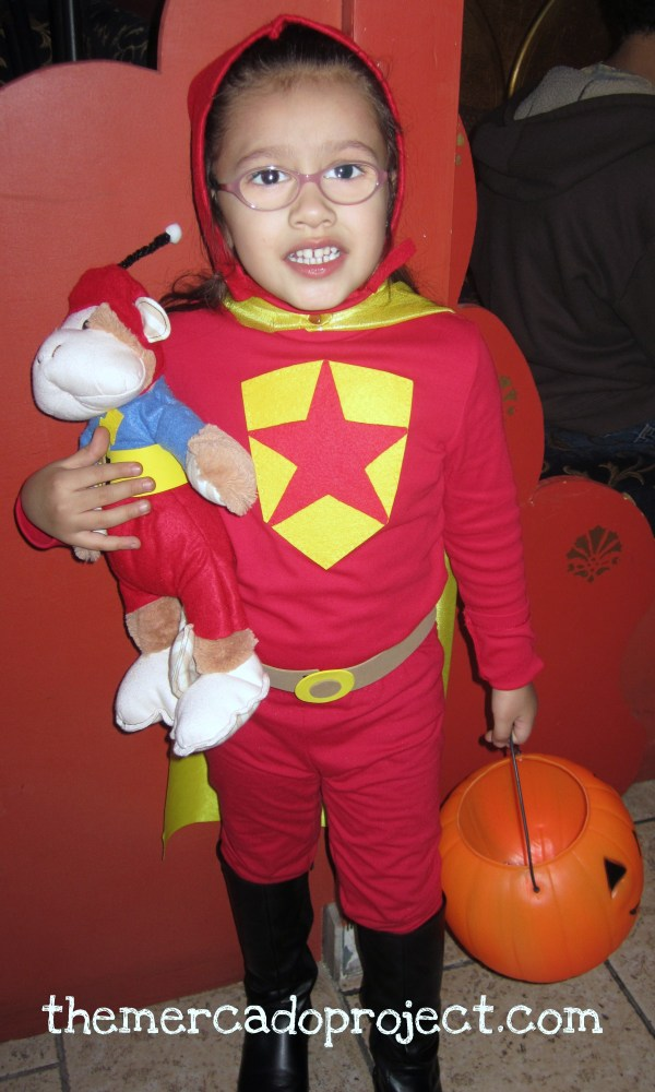 DIY Word Girl and Captain Huggy Face Costume Halloween 2011 (2/5)