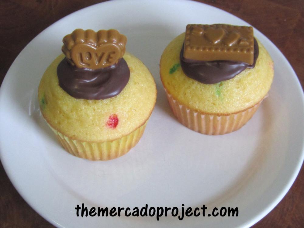 Butter Scotch candy + Funfetti Cupcakes = Yumminess! (4/4)